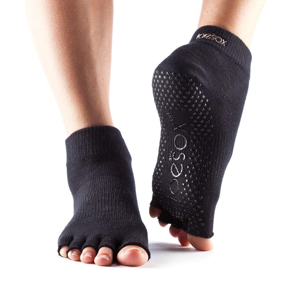 Toesox Unisex S Half Toe Ankle Grip Socks Amazon Co Uk