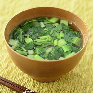刻み小松菜と亜麻仁油のみそ汁