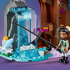 LEGO Disney Princess - Casa del Árbol Encantada, Incluye