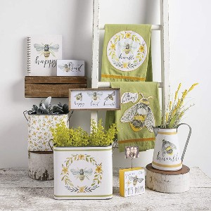 bee home decor kitchen farmhouse rustic spring signs tins pitcher dish towels tea towels