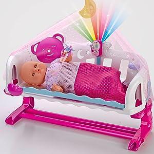 Y si pone el Baby Monitor en la cunita, se ilumina y reproduce una preciosa canción de cuna.