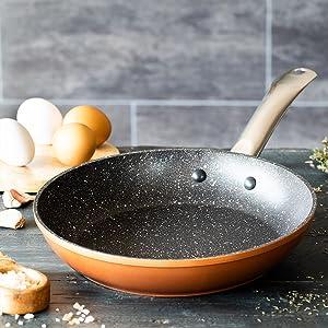 Monix Copper - Sartén 28 cm de aluminio forjado con antiadherente con partículas de titanio, aptas para todo tipo de cocinas, incluso inducción, color ...