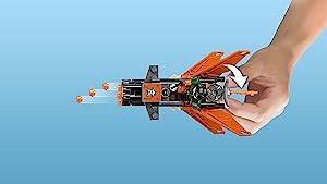 Sky pirates' jet with six-stud rapid shooter