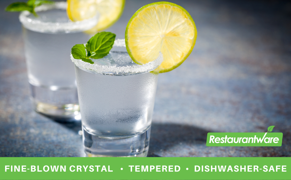 This crystal glass set is made from fine-blown crystal to provide the optimal drinking experience.