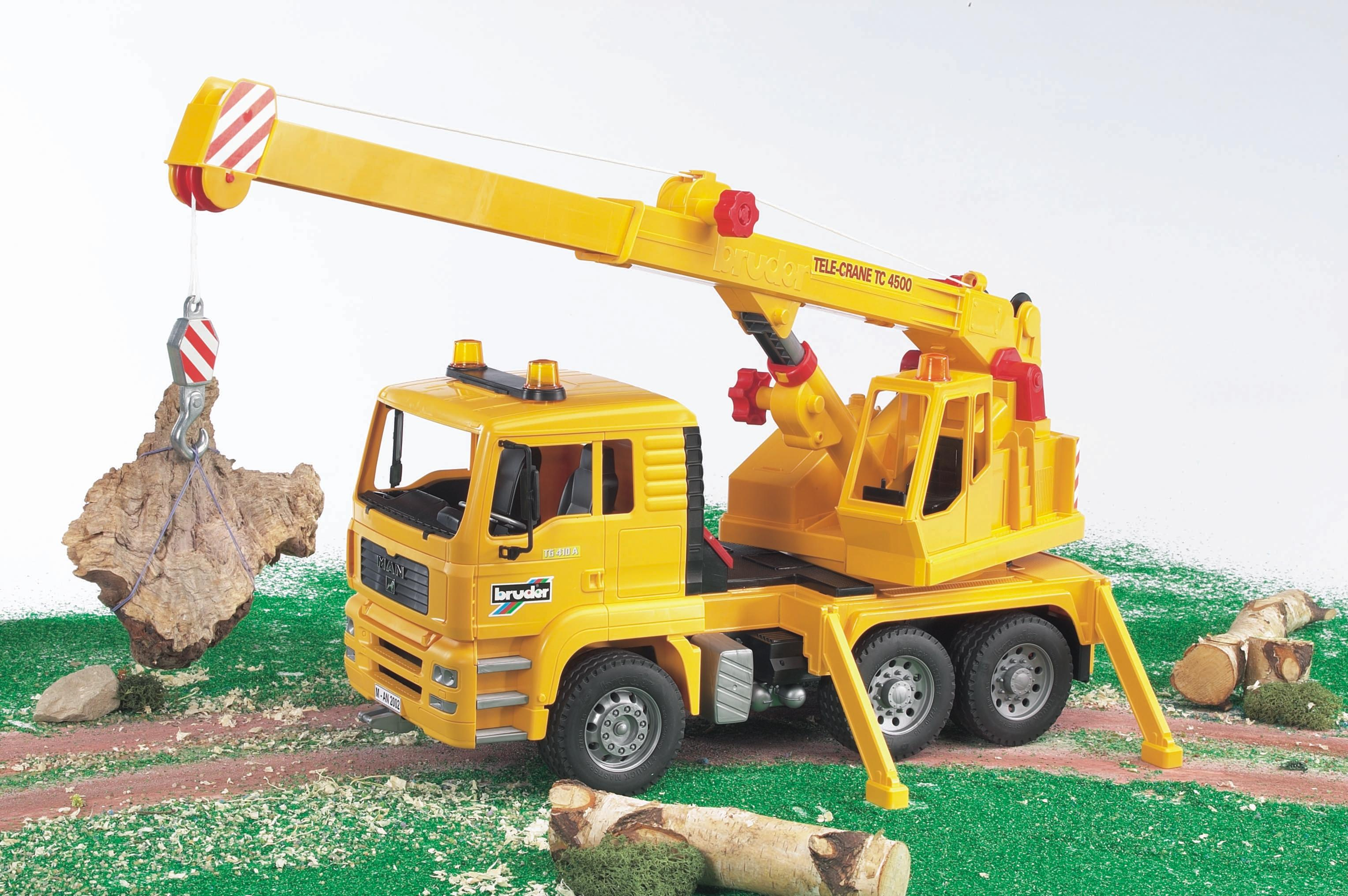 Toy Cranes For Boys : Amazon bruder man crane truck toys games