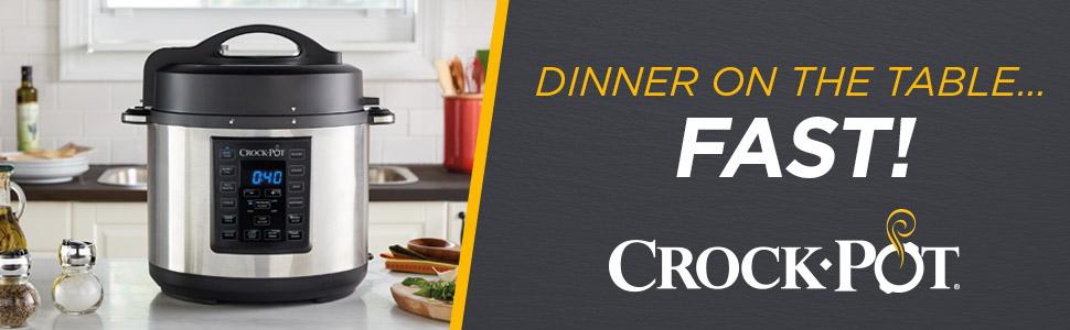 Nồi áp suất Crock-Pot với Nền bếp;  Bữa tối trên bàn ... Nhanh!
