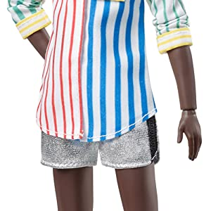 Creatable World Figura Unisex, Muñeco Articulado, Pelucas Pelo Rizado Camiseta Zebra (Mattel GKV49) , color/modelo surtido