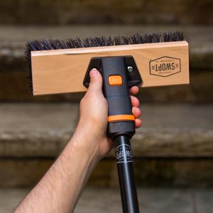 never twists loose scrub brush