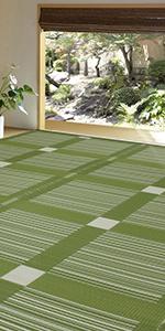 ガナッシュ グリーン 緑色 スクエア柄 チェック 和室 使用 イメージ PP ラグ 花ござ 上敷き カーペット い草風 畳 床 保護 汚れ きず 隠す 洋室 模様替え 子供 ペット 水洗いできる
