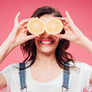 femme oranges