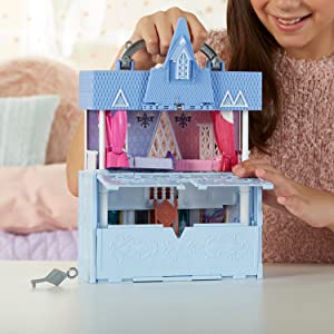 pop adventures arendelle castle; frozen 2 pop-up castle; frozen foldable castle; pop-up elsa doll