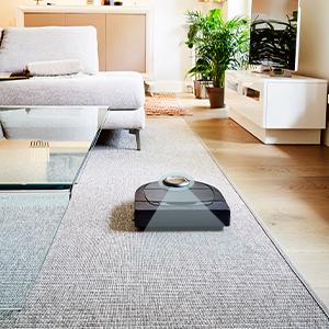 Neato lazer navigasyon akıllı temizlik, mobilya ve merdivenlerin etrafında hareket ediyor