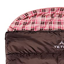 Half-circle hood with drawstring keeps your pillow clean and head warm.