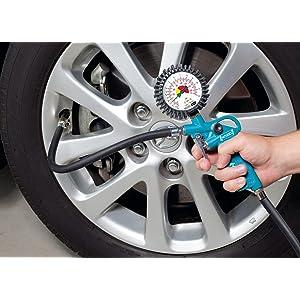 HAZET Reifenfüll-Messgerät im Einsatz