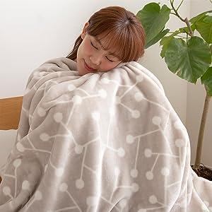 「ゆっくり過ごす」ことをコンセプトに企画されたyucussシリーズ。ずっとふれていたくなるなめらかな肌触りの毛布でおうち時間を彩り豊かに