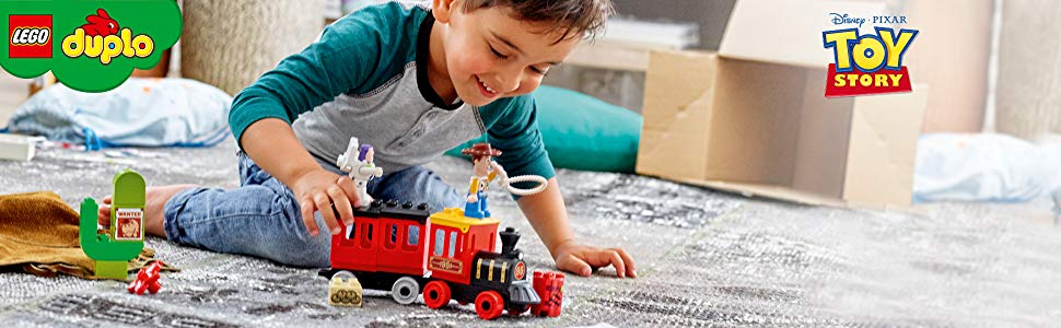 LEGO Toy Story, tren de lego, tren de toy story, niño jugando