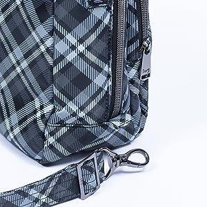 bag with shoulder strap, bag with removable shoulder strap, bag with removable crossbody strap