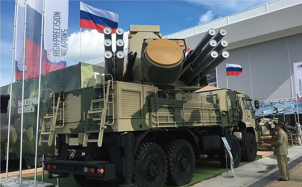 シリアにも投入されているパンツィリ-S1防空システム。S-400などの広域防空システムとネットワークで連接され、統合防空システム(IADS)を構成する。(著者撮影)