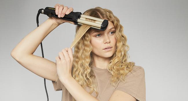 BaByliss C260E Plancha de pelo para ondas, revestimiento de cerámica y titanio, hasta 200º C, color negro: Amazon.es: Belleza