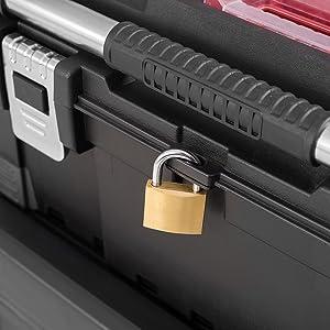 lockable with padlock