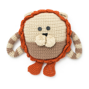 Hugable pillow lion crochet