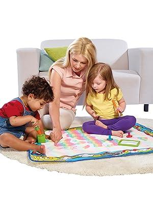 aquadoodle; tapis magique; dessin à l'eau; dessin sans tache; jeu créatif; tapis pour dessiner