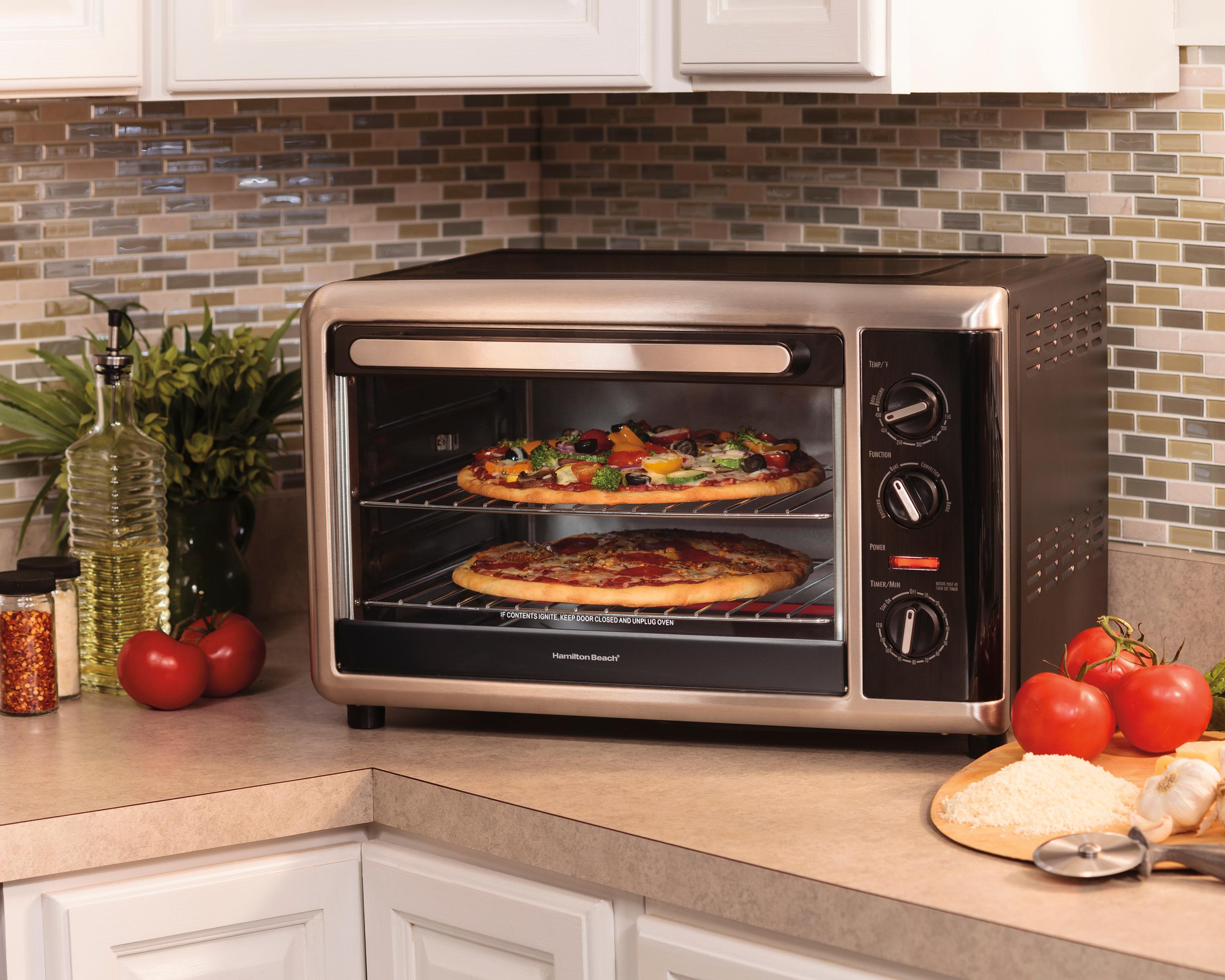Amazon Com Hamilton Beach 31105d Countertop Oven With Silver Black Large Kitchen Amp Dining