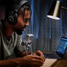 AKG Lyra usb microphone for podcasters