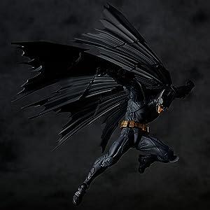 「アメイジング・ヤマグチ」にDCコミックスを代表するキャラクター【BATMAN】が登場。これまでにないマント表現とアメイジング・ヤマグチが誇る可動域によりBATMANが躍動!