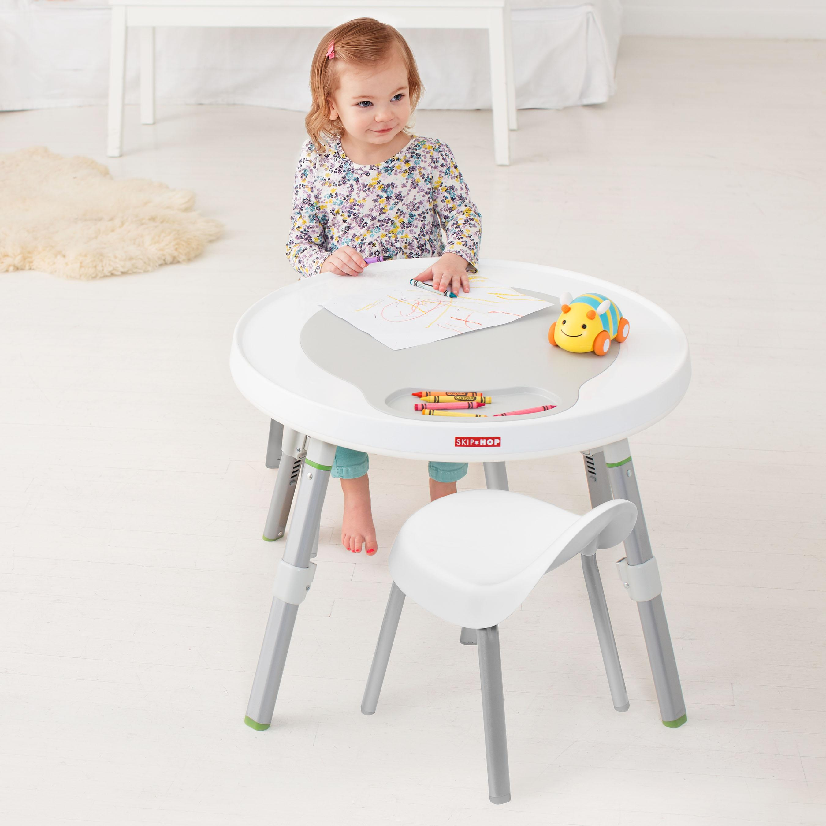 33d90e07b6f0 Amazon.com  Skip Hop Explore   More Kids Chairs