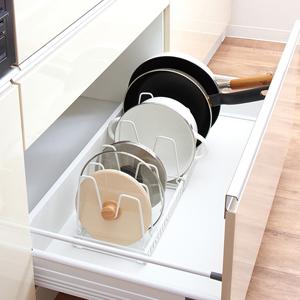 キッチン 引き出し 収納 片付け 整理 整頓 ミニマリスト パントリー 鍋ぶた フライパン レトルト 食品
