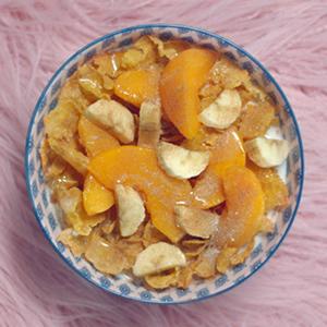 kelloggs, corn flakes, peaches, banana, breakfast, perfect bowl