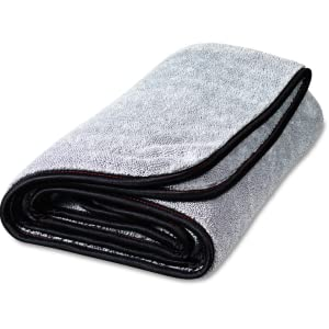chamois, dry towel, microfiber, griots, chemical guys, meguiars, detailing, car wash, washing