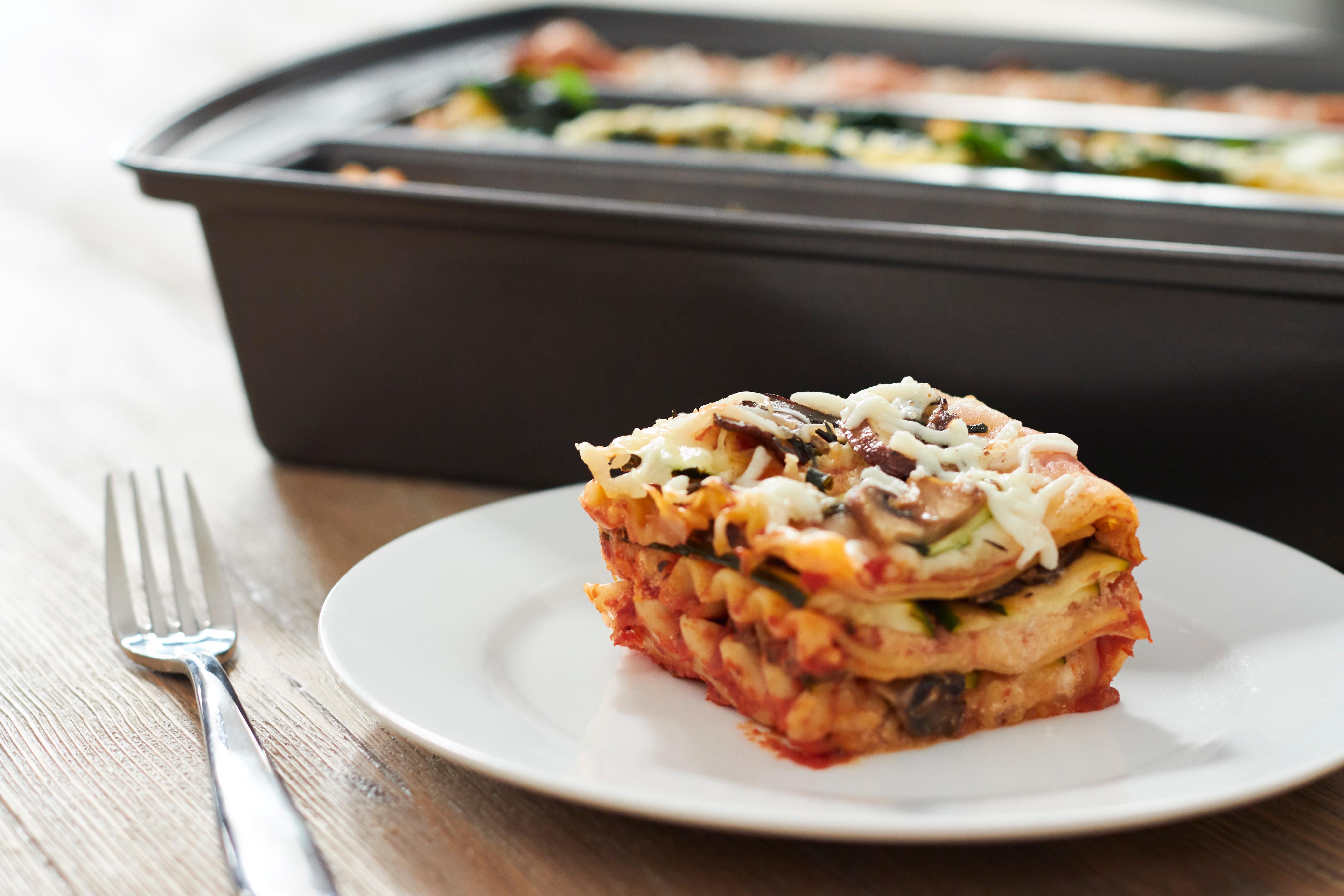 Amazon Com Chicago Metallic Professional Lasagna Trio Pan