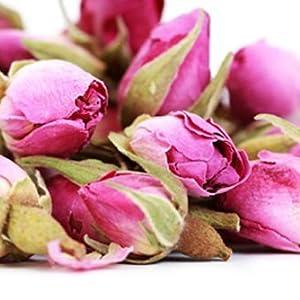 Tè alla rosa, petali di rosa o petali di rosa.