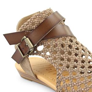 9f8376c32b6d Amazon.com  Blowfish Women s Balla Wedge Sandal  Blowfish  Shoes