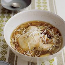 圧力鍋 あつりょくなべ 鍋 時短 サムゲタン さむげたん 鶏肉 かたまり肉 柔らかい ごちそう 風邪予防 温まる うまみ 韓国料理 滋味深い 鶏肉 もち米 スープ ご飯 ごちそう おもてなし