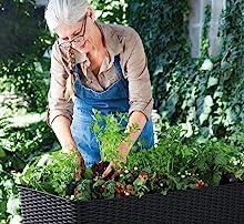 Ergonomic design and height for elderly or disabled gardeners