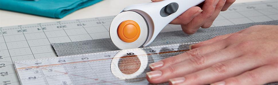 Amazon Com Fiskars 95237097j Rotary Sewing Cutting Set