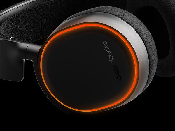 - Arctis 5 RGB earcup