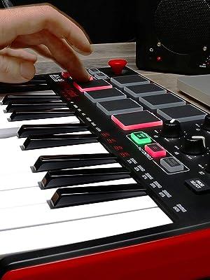 MIDIコントローラー,DAW,Akai Professional,アカイプロフェッショナル,MPK MINI, コンパクト,小型,MIDIキーボード