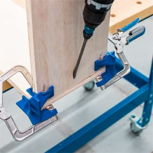 90° Corner Clamp helps hold assemblies like boxes, cabinets, drawers and cases