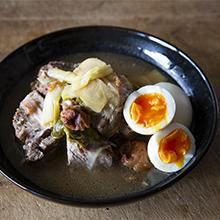 卵と豚肉の梅ウーロン茶煮