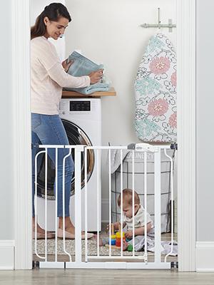 Regalo Easy Step Walk Through Baby Gate