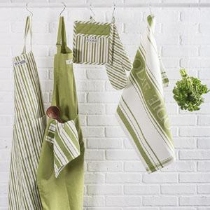 kitchen apron, pretty apron, cute apron, plain apron, chefs apron with adjustable strap, plain apron