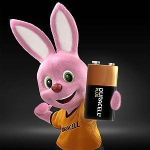 Las pilas Duracell Plus AA tiene hasta un 50% más de potencia (máx. dif. en comparación co