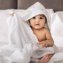 70x70cm 3 x Petite Piccolo Super-Soft Baby Muslins with Floating Feather Design