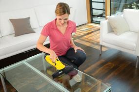 k rcher akku fenstersauger wv 2 plus f r fenster fliesen spiegel dusche fensterreiniger set. Black Bedroom Furniture Sets. Home Design Ideas