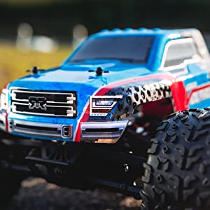 Front close up of GRANITE VOLTAGE RC MonsterTruck
