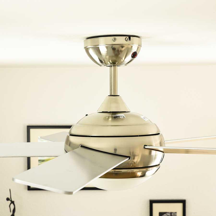 Ventilatore a soffitto con luce e telecomando 112 cm for Ventilatore da soffitto silenzioso